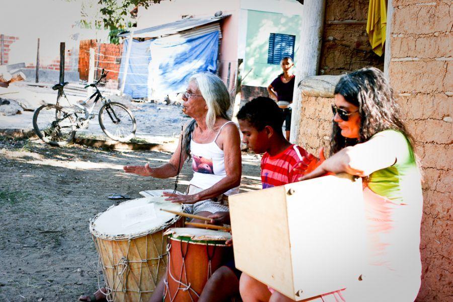 Ensaio de Doroty Marques e crianças do projeto Turma que Faz | Foto de Fredox