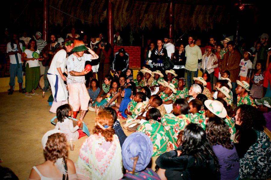 Crianças Kalunga dançando o Bolé | Foto de Fredox